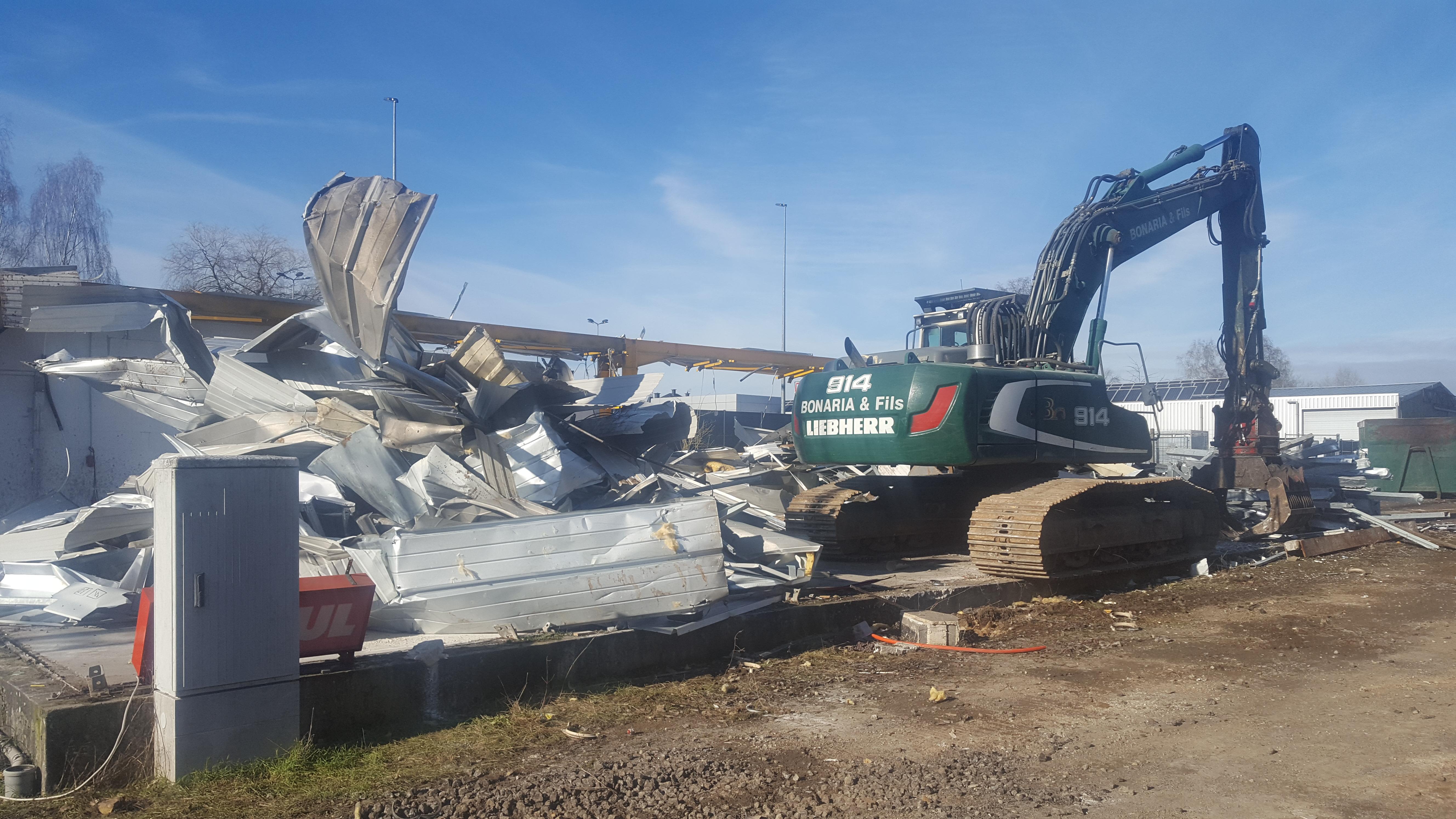 Démolition construction métalique