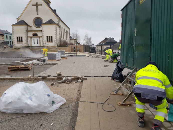 Aménagement exterieur au Luxembourg – église