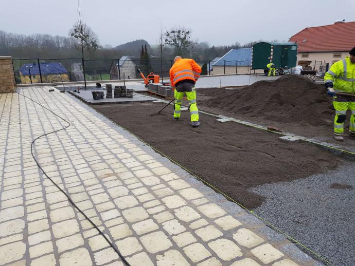 Aménagement exterieur au Luxembourg – pavéjaune